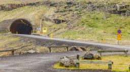 Islande à vélo 2014, passage de col par un tunnel dans l'Est