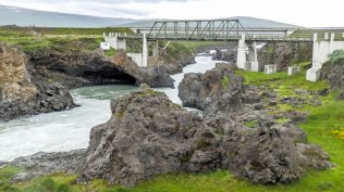 Islande à vélo 2014, pont à Godafoss