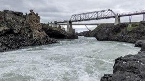 Islande à vélo 2014, le pont à Godafoss