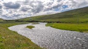 Islande à vélo 2014, piste longeant une rivière