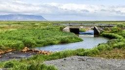Islande à vélo 2014, pause déjeuner au bord d'une rivière