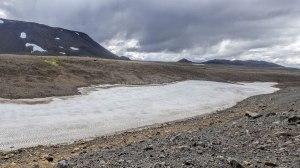 Islande à vélo 2014, glace en bord de piste 550