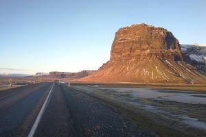 Route numéro 1 direction l'Est, en Islande à vélo en hiver