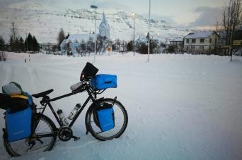 Seydisfjordur, en islande à vélo en hiver