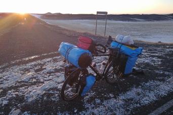 Dans le sud-Est de l'islande à vélo en hiver