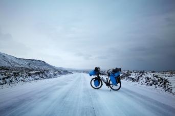 Route du sud de l'Islande à vélo en hiver