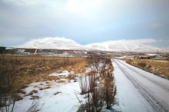 A proximité de Varmahlid, en Islande à vélo en hiver
