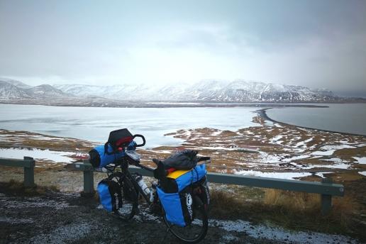 Route Nord de l'Islande à vélo, en hiver