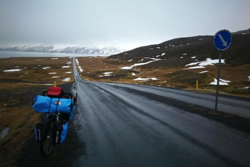 Route Nord de l'Islande, en islande à vélo en hiver
