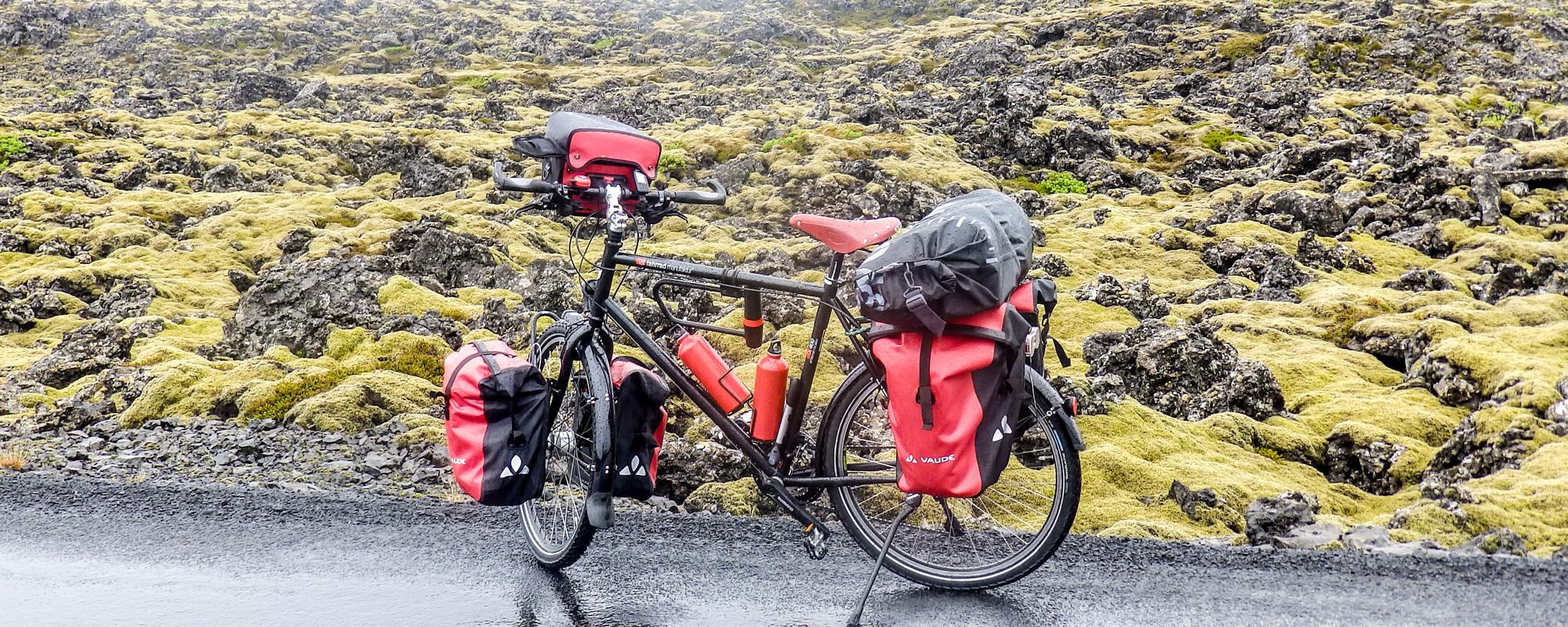 En Islande à vélo en 2014, en direction de Grindavik