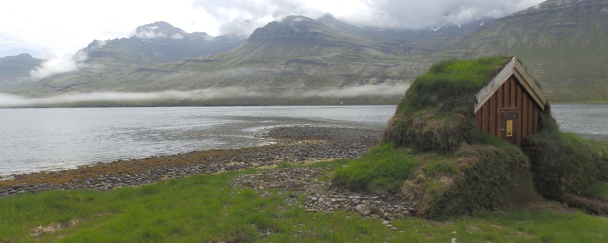 En Islande à vélo en 2014, au fond d'un d'un fjord de l'Est