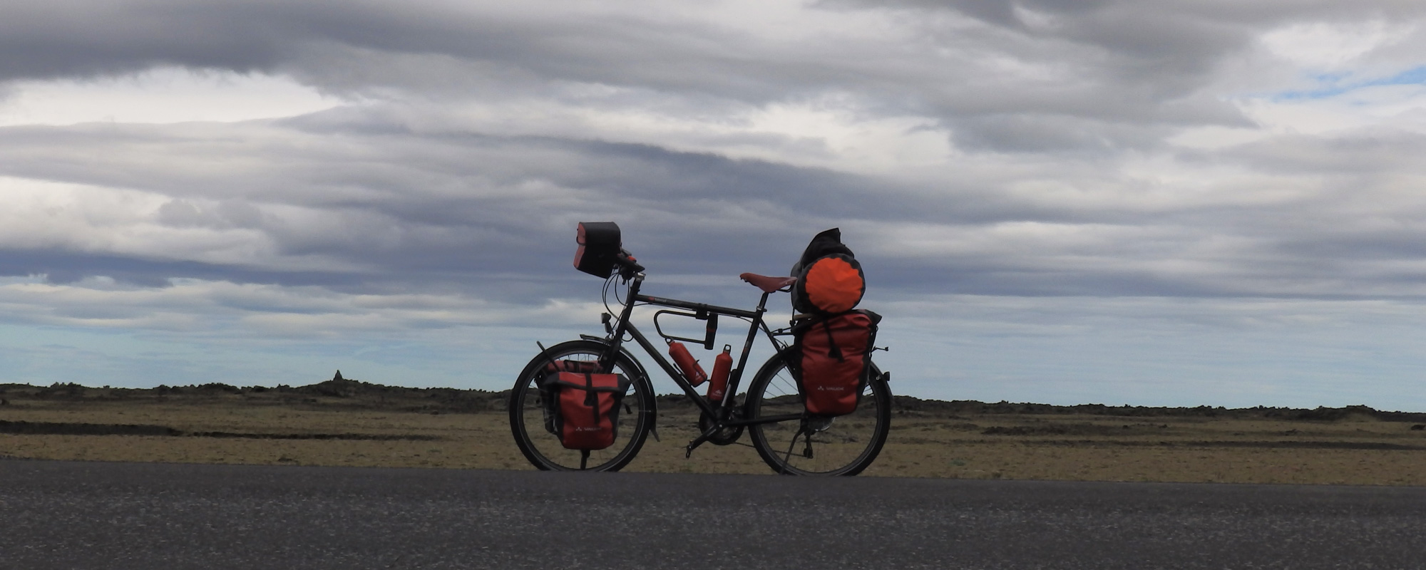 Sur la route n°1 en Islande à vélo en 2014 dans le Sud, en direction de l'Est